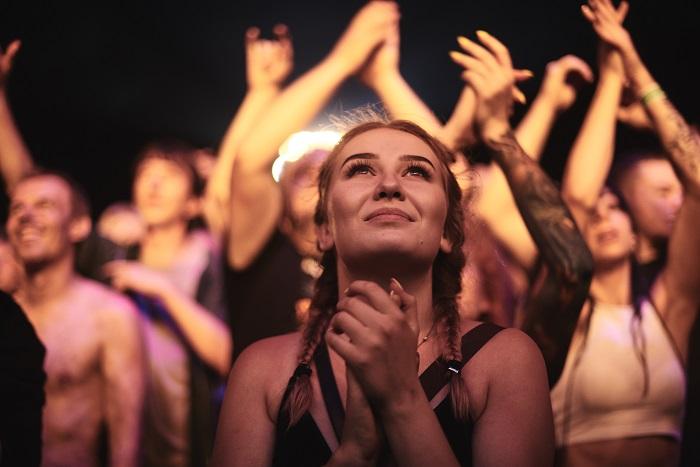 Festiwalowicze na 23. Przystanku Woodstock - fot. Szymon Aksienionek