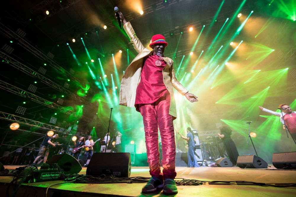 The crowd sang along with Alpha Blondy at Pol'and'Rock Festival. Photo credit: Stanisław Wadas