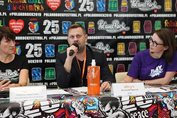 Krzysztof Śpiewek przedstawiciel Allegro na Konferencji Prasowej w Zielonej Górze fot. Michał Sandecki