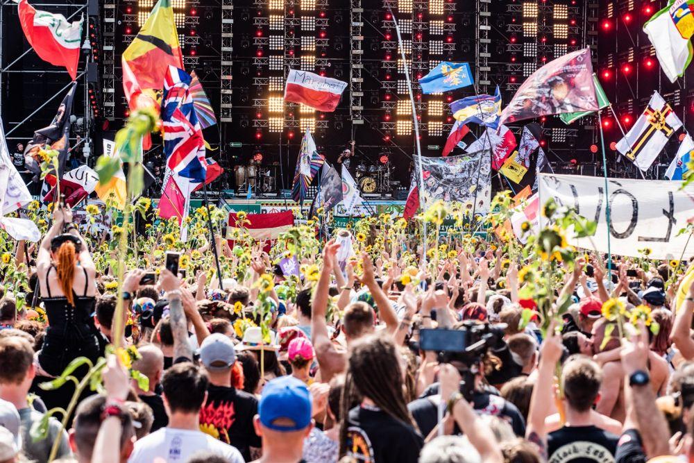 Flagi na rozpoczęciu Festiwalu to już tradycja fot. Dominik Malik