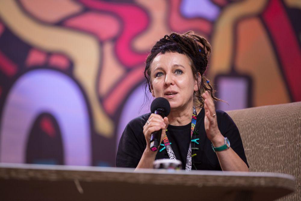 Olga Tokarczuk podczas spotkania w Dużym Namiocie ASP fot. Lucyna Lewandowska
