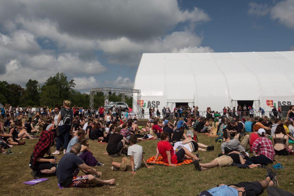 Duży Namiot ASP w czwartek, na kilka godzin przed oficjalnym rozpoczęciem Festiwalu fot. Lucyna Lewandowsk