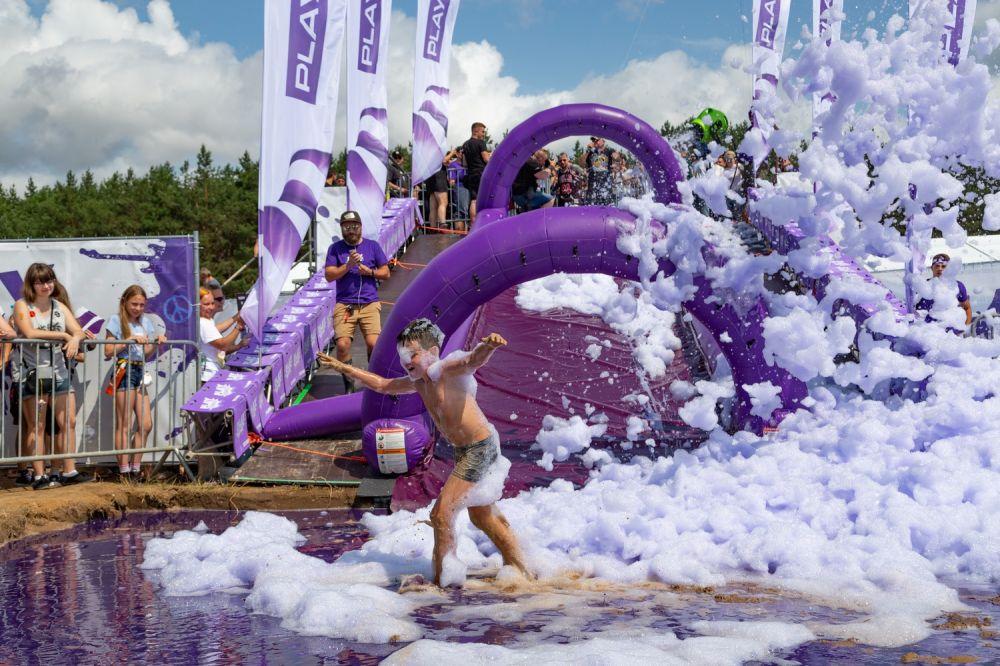 Violet Mud Fun in Play Zone, photo by Michał Kwaśniewski