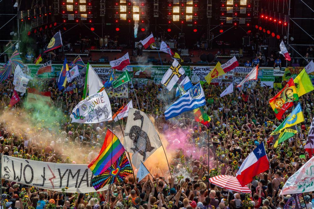 10 tysięcy słoneczników na Rozpoczęciu Najpiękniejszego Festiwalu Świata fot. Michał Kwaśniewski
