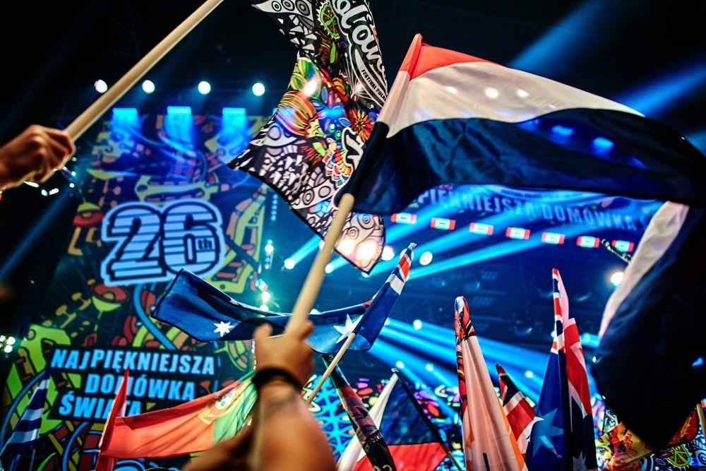 Let the festival commence! photo Szymon Aksienionek
