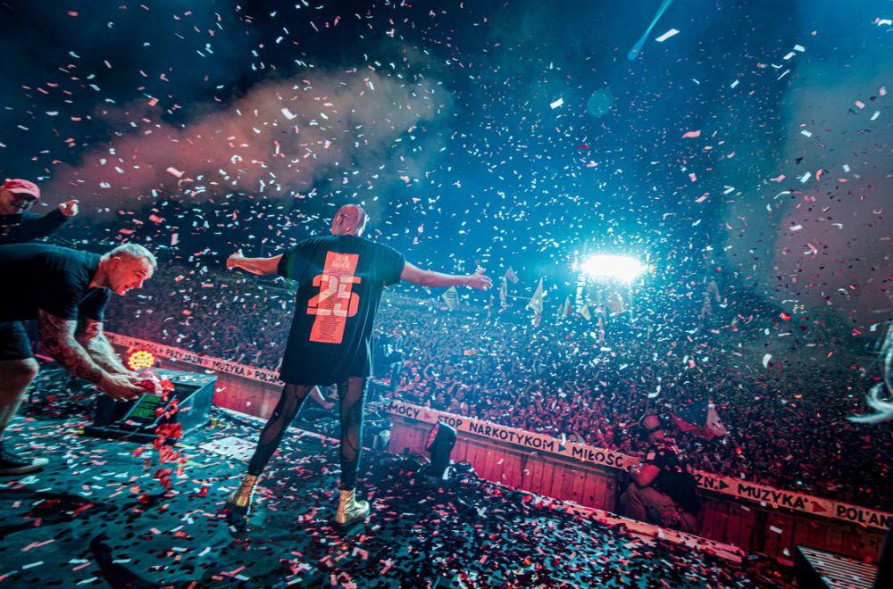 Skin celebrates her birthday with a massive crowd of revellers. photo Grzegorz Adamek