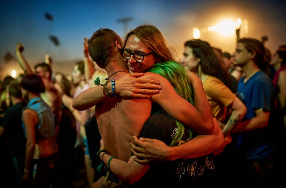 Nice to see you! Festival goers meet each-other.  fot.O. Drutkowska