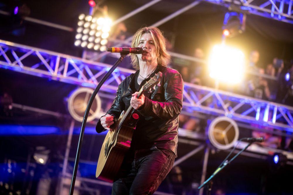 Goo Goo Dolls' lead singer, Johnny Rzeznik. Photo credit: Damian Mękal