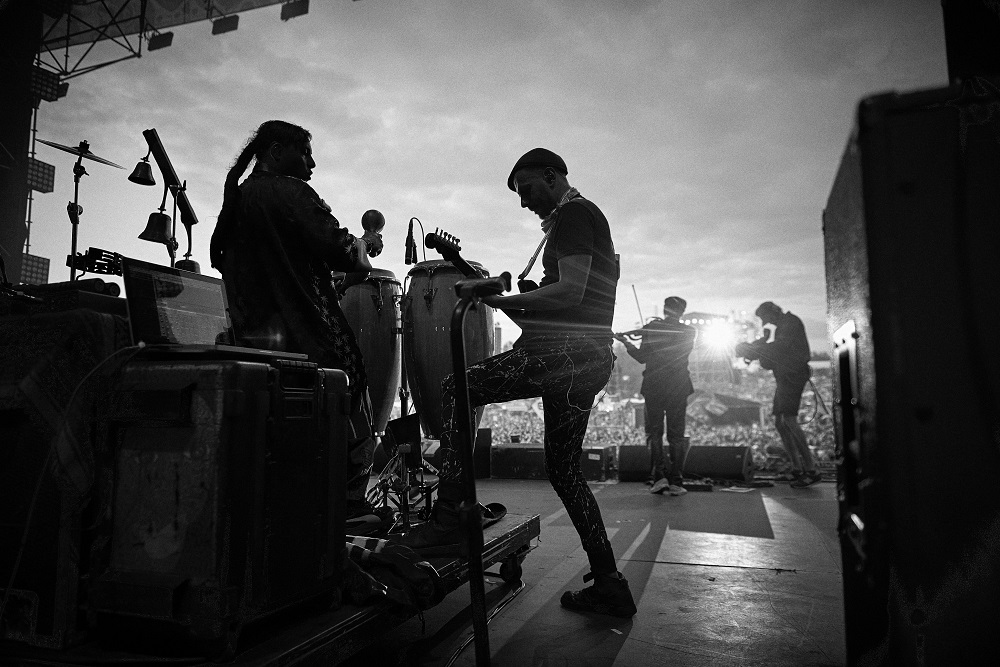 koncert zespołu Gogol Bordello podczas 25. Pol'and'Rock, fot. Szymon Aksienionek